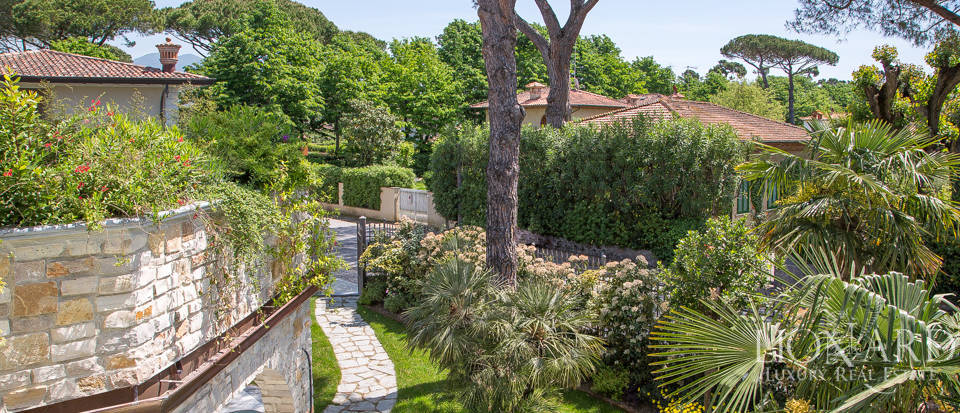 Luxury home for sale in Versilia Image 16