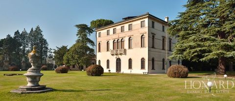 luxury villa with golf course for sale in venice