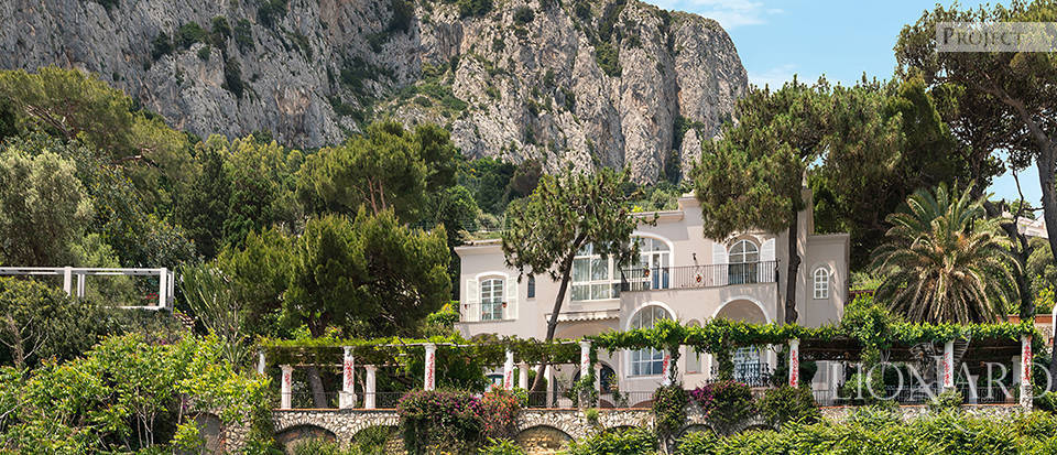 Villa In Capri With Views Of The Faraglioni Lionard