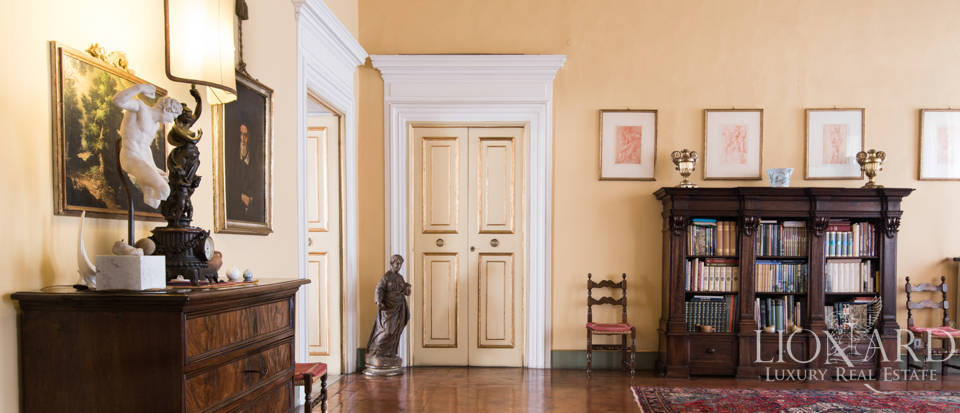 historic luxury apartment for sale in lucca