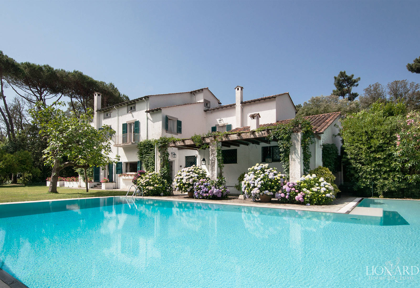 Villas for sale in Roma Imperiale - Forte dei Marmi