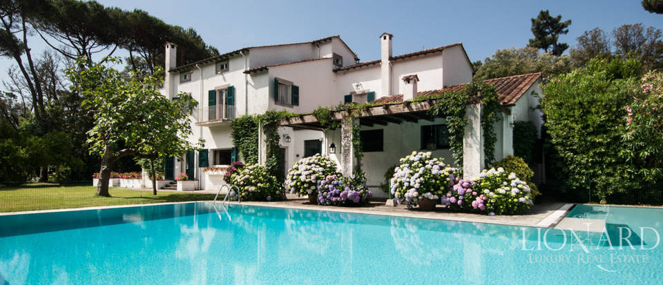 magnificent luxury villa with pool in forte dei marmi
