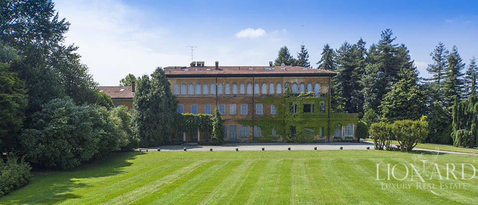 Luxury villas in Lombardy Image 9