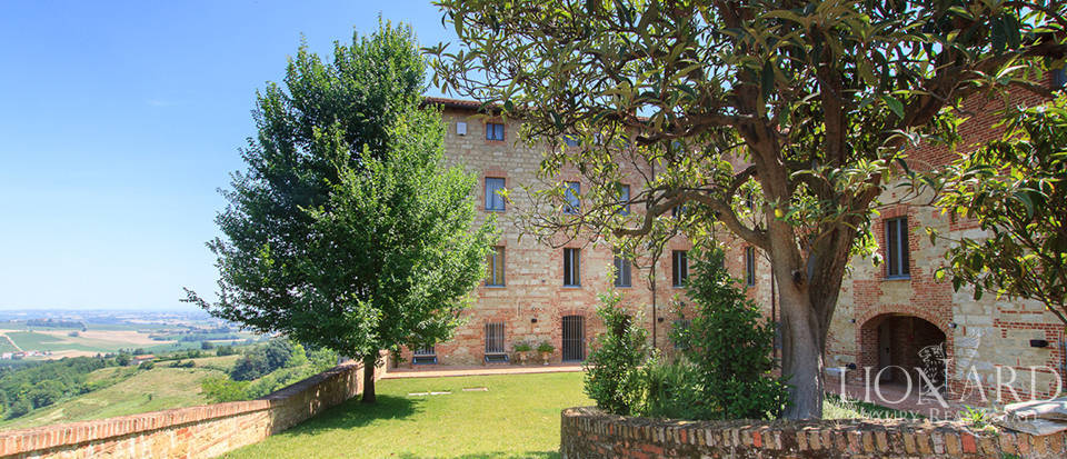 Castles for sale in Piedmont Image 11