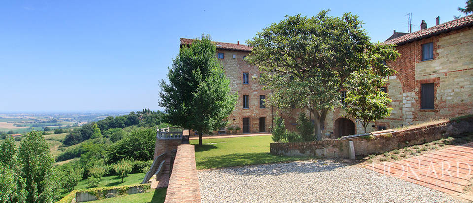 Castles for sale in Piedmont Image 12