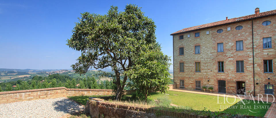 Castles for sale in Piedmont Image 14