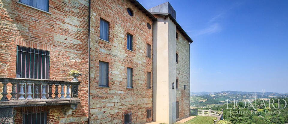 Castles for sale in Piedmont Image 16
