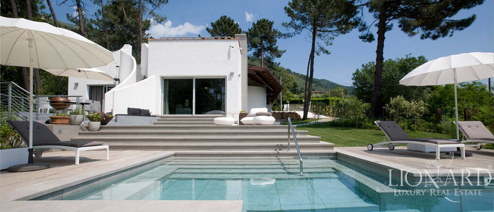 luxury villa with pool near lucca