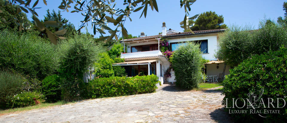 splendid luxury villa for sale in ansedonia