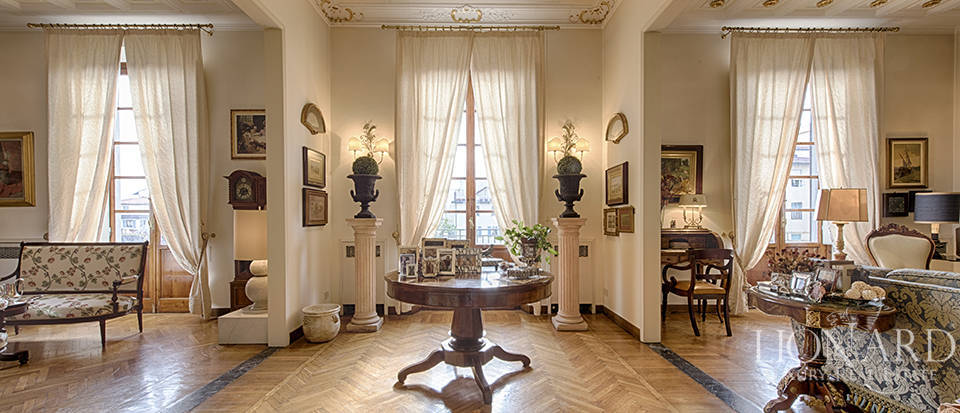 Luxurious apartment in Central Florence
