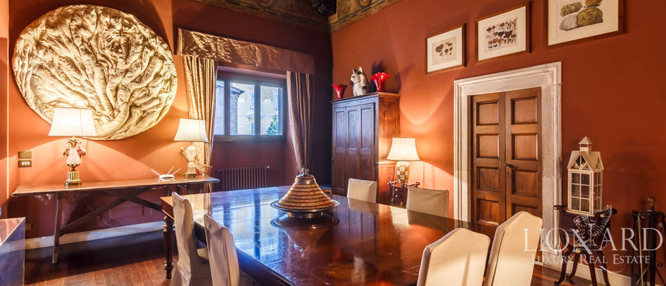 Historical palace for sale in Rome