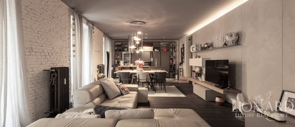 Magnificent apartment for sale in Central Milan