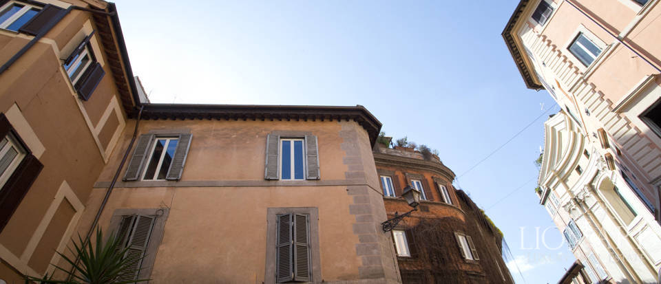 Prestigious estate in Trastevere