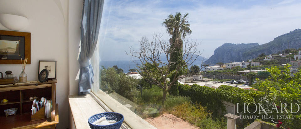 Prestigious apartment by Capri's sea