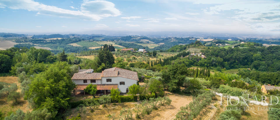 Prestigious estate on Montespertoli's hills