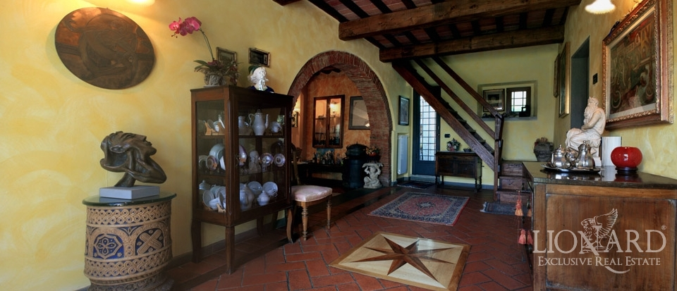 Tuscany real estate with beautiful properties lionard for Lionard real estate