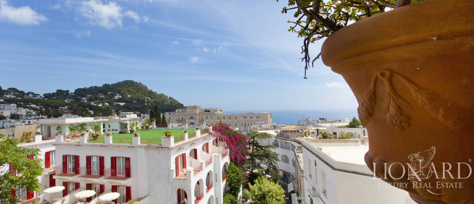Wonderful apartment for sale in Capri