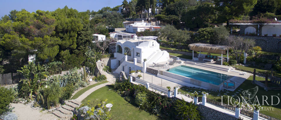 Luxurious villa for sale in Anacapri