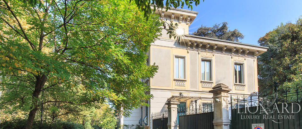 Stunning art-nouveau villa for sale in the heart of Milan