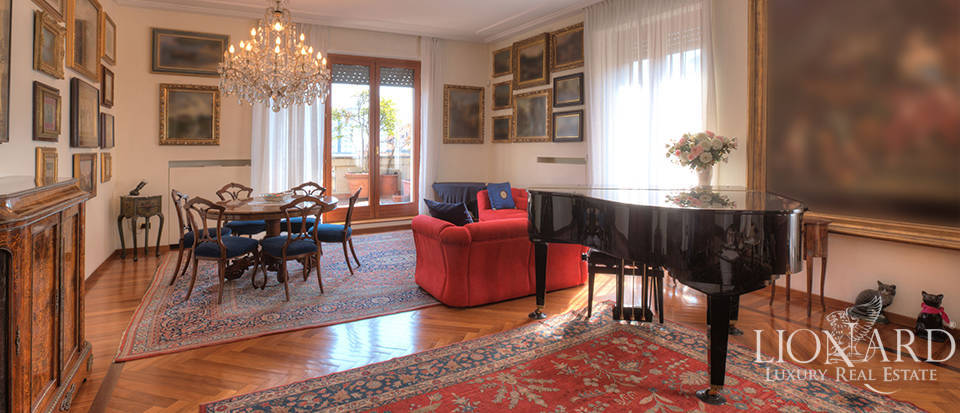 Penthouse for sale in Milan S. Babila