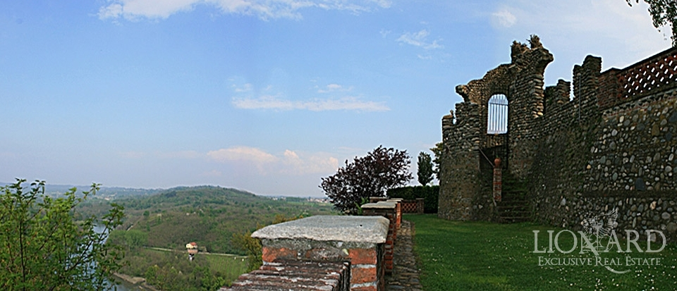 Castle For Sale In Italy Lionard