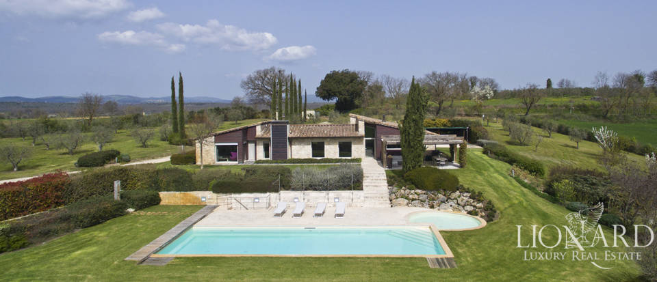 Luxurious villa for sale in Colle Val d'Elsa