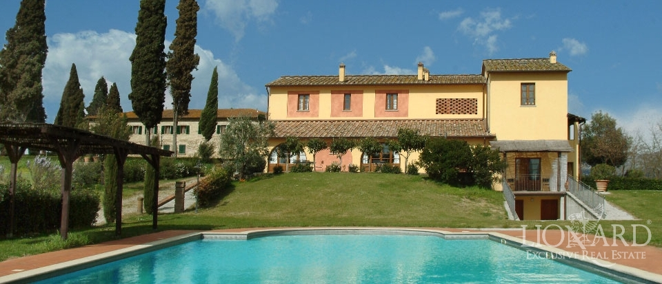 Luxury real estate in tuscany lionard for Lionard luxury real estate