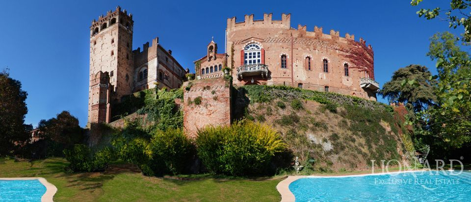 MEDIEVAL CASTLE IN PIEDMONT