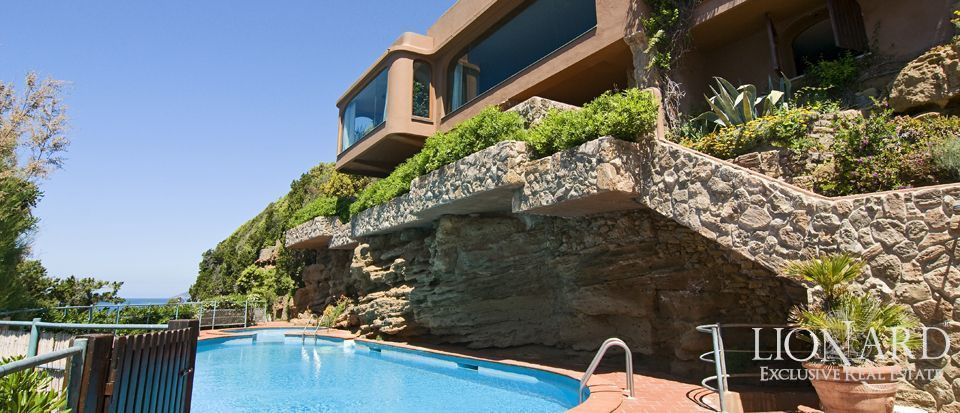 Villa with private beach in Castiglioncello