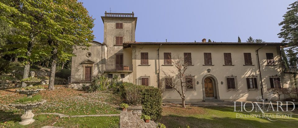 Historic villa for sale in florence with garden lionard for 1 homes in italy