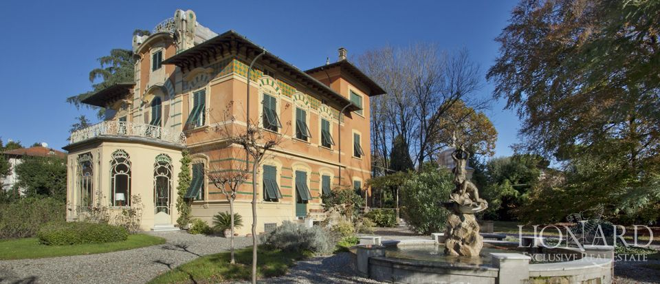 Luxury Villa For Sale Close To The Walls Of Lucca Lionard