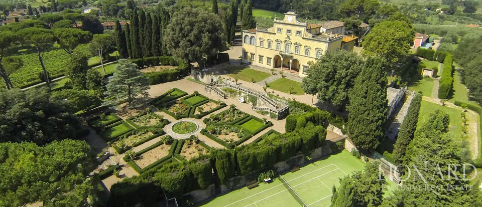 Luxury villa in Florence