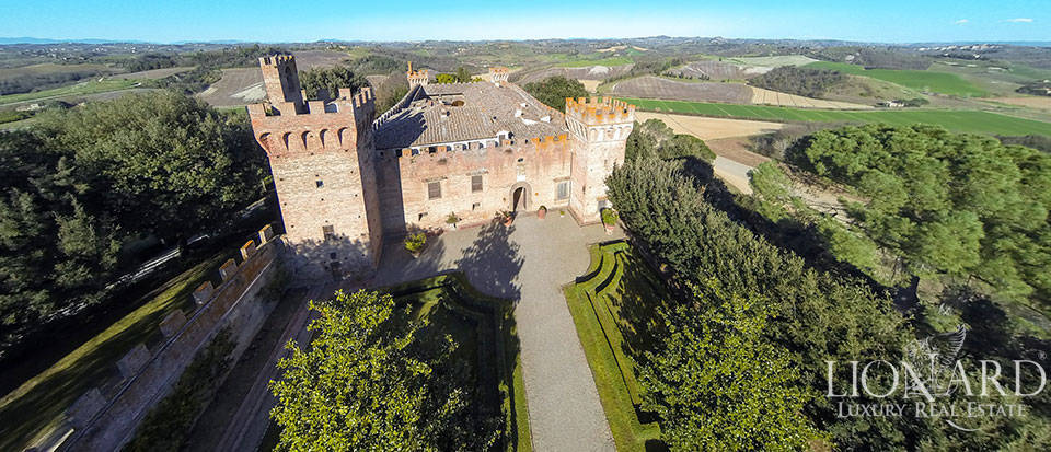 Brunelleschi castle for sale near Florence